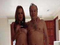 Vazam fotos de Stênio Garcia com esposa nus
