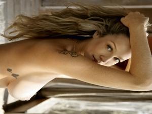 Luana Piovani Pelada Gostosa Na Revista Playboy