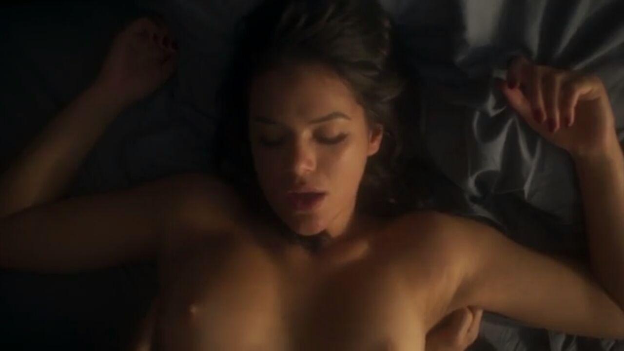 Caiu na net Bruna marquezine em cena de sexo com daniel oliveria