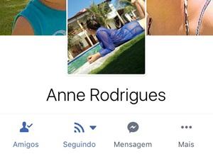 Caiu na net Anne Rodrigues flagrada transando com amante dentro do banheiro de uma balada