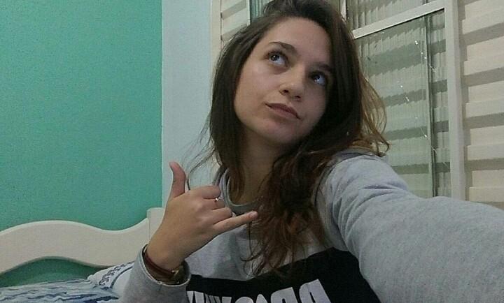 Julia Clee de Cachoeirinha/RS compartilha fotos intimas em grupos de putaria e seu namorado corno nem sabe