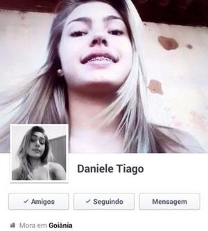Daniele loira novinha de Goiânia/GO teve fotos intimas vazadas nos grupos de putaria do WhatsApp
