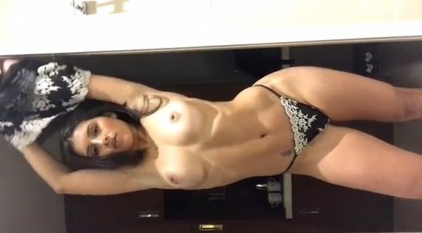 Caiu Na Net Novinha Miss Venezuela Peladinha Exibindo Os Peitinhos