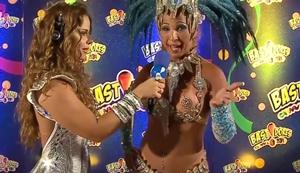 Famosas nuas no carnaval carioca dando entrevistas a rede de televisão