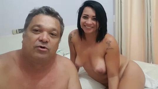 Paizão mostrando sua gostosa fazendo video como rede Globo pediu