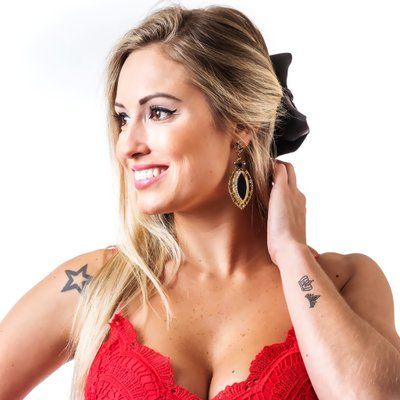 Jéssica Mueller a BBB18 e Personal Trainer Gostosa Mais Uma Vez Pagando Peitinhos