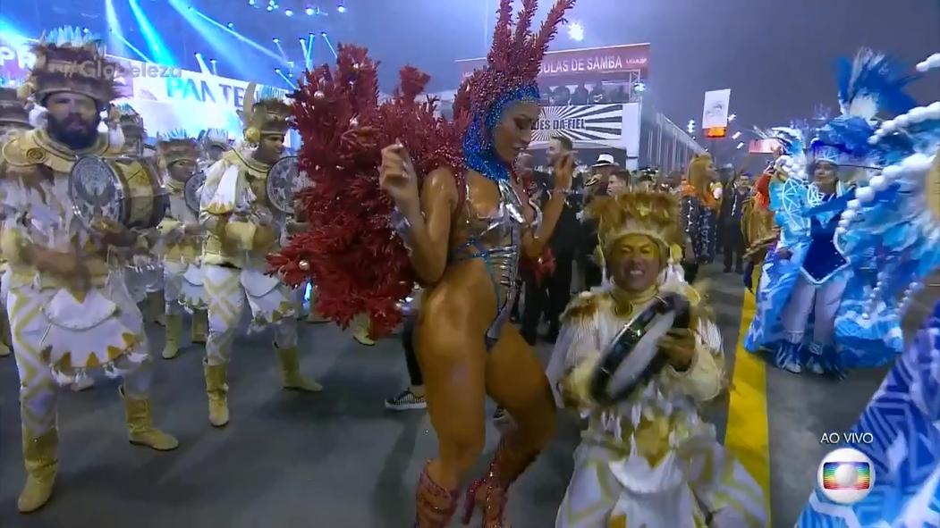 Sabrina Sato Sambando No Carnaval 2018 Deixou A Galera Louca Com Sua Fantasia Ousada