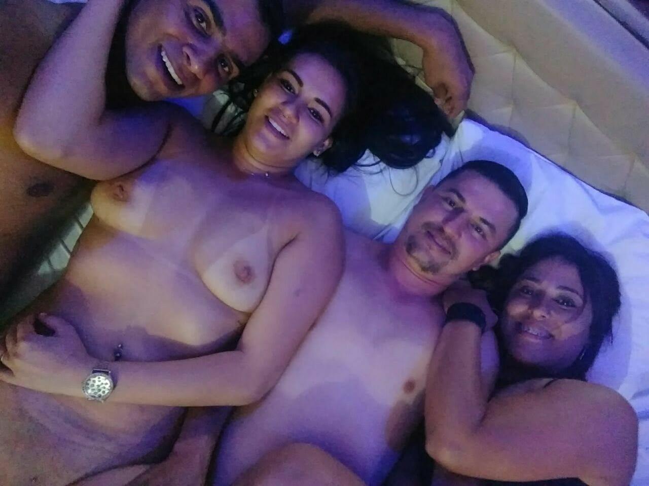 Danny Casada Infiel De São Paulo Caiu Na Net Fazendo Troca De Casais Com Amigos Do Swing