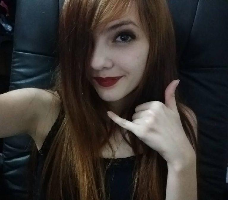 Novinha Estilo Rockeira Caiu Na Net Peladinha Em Fotos Intimas Enviadas Ao Ex Namorado