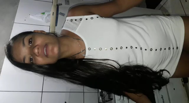 Tigresa Safadinha Vip Mostrando A Buceta Pros Covardes Do Grupo De Putaria