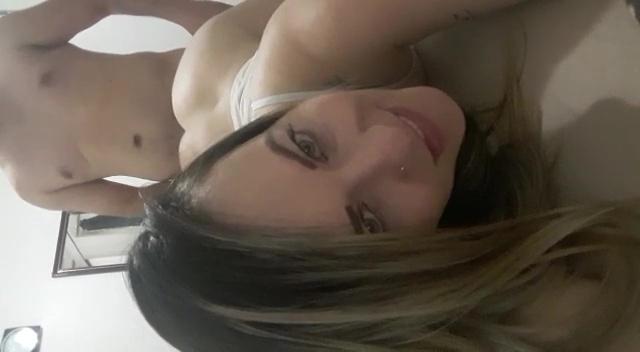 Gatinha caiu na net filmando sexo gostoso com seu namorado