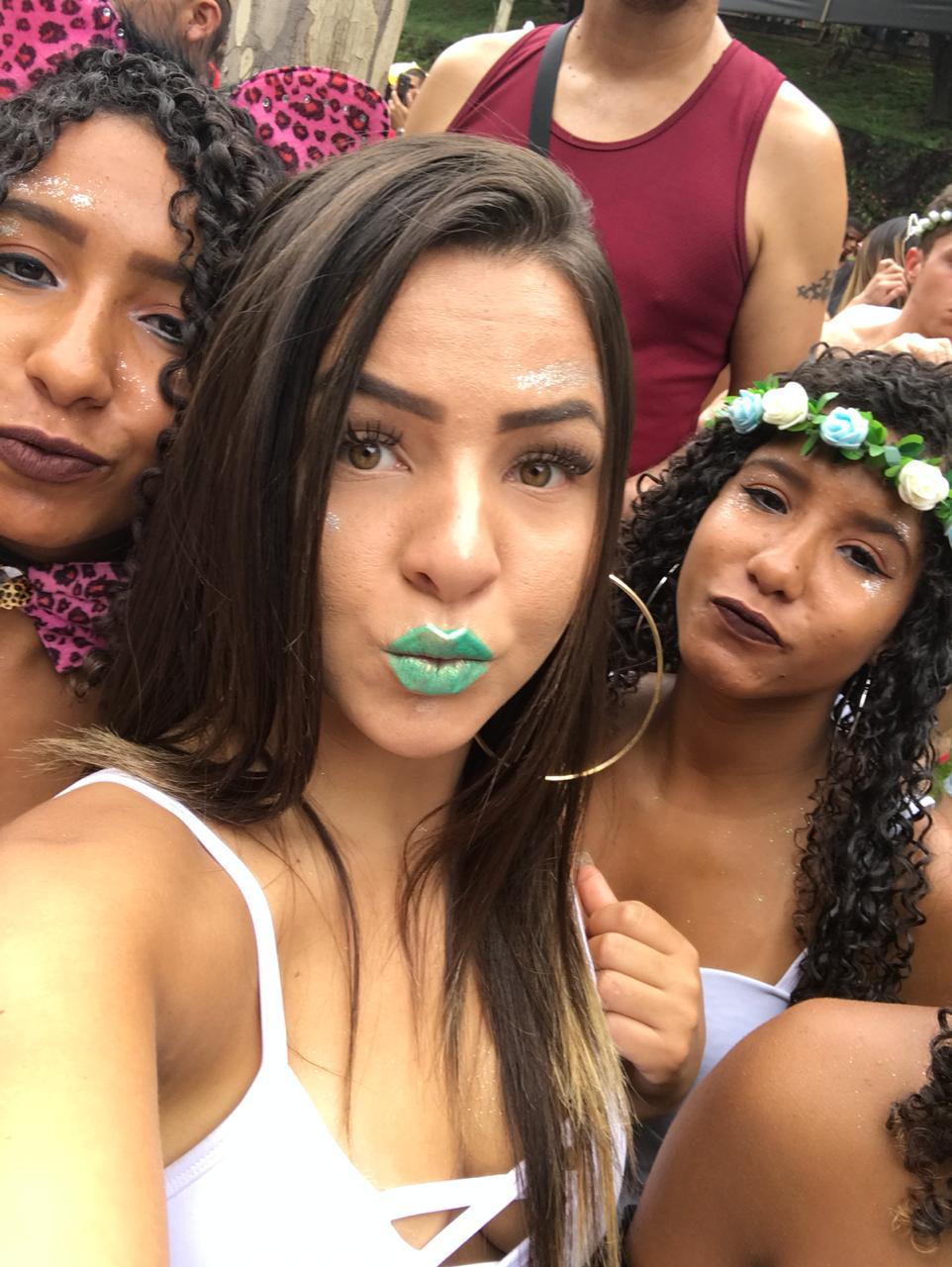 Fotos De Novinha Nua Caiu Na Net Mostrando O Rabão Guloso