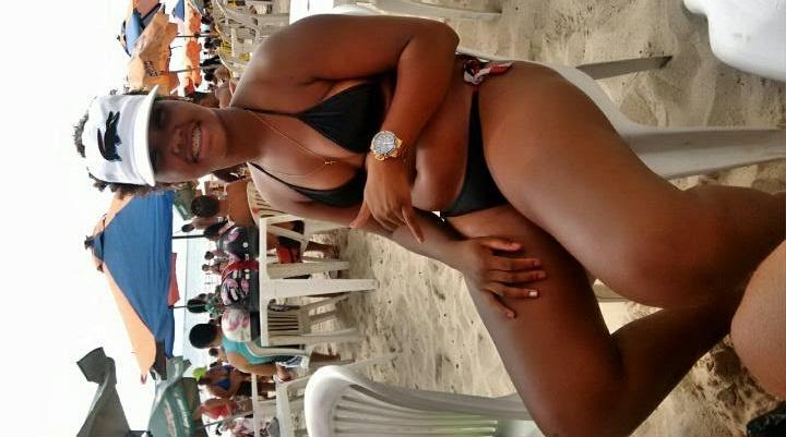Neguinha Pagando Boquete Pro Amigo Sacana Que Filmou Sua Buceta Linda