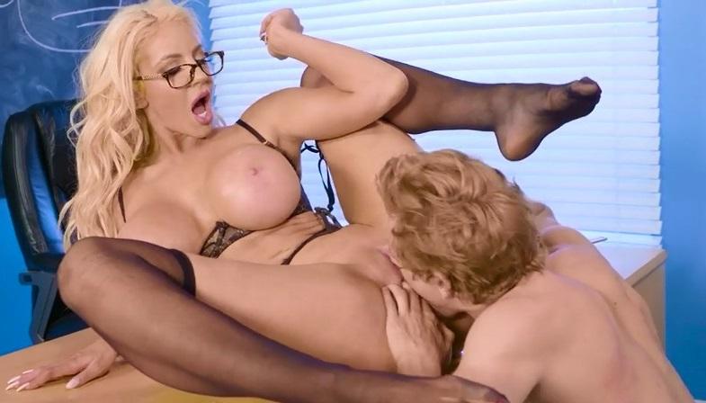 Xnxx Porno Professora Loira Sendo Chupada Pelo Aluno Levado