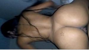 Amadora metendo em vídeo de sexo amador com namorado
