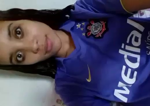 Novinha corintiana mostrando sua xereca bem gostosinha caiu na net