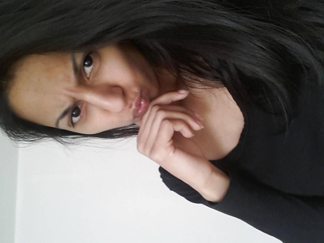 Suriana Novinha Vadia Pelada Teve Fotos Intimas Vazadas Na Net