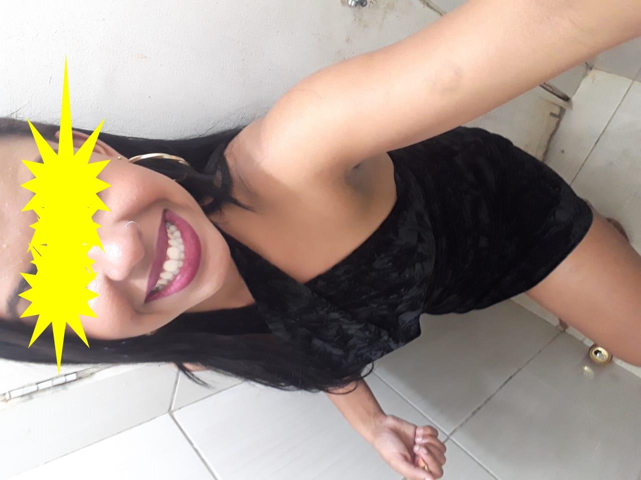 Gata gold amadora brasileira dando a buceta