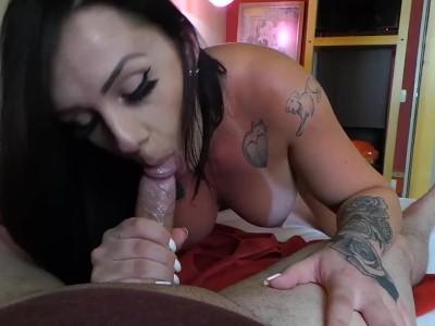 Ver porno comendo uma bucetinha quente