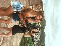 Flagras de amadoras ninfetas soltando a piranha na favela
