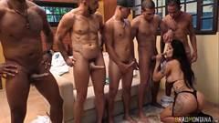 Atriz gostosa brasileira Shayene Samara metendo com cinco homens